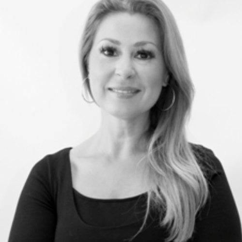 Nora Sanoussi, B-street
